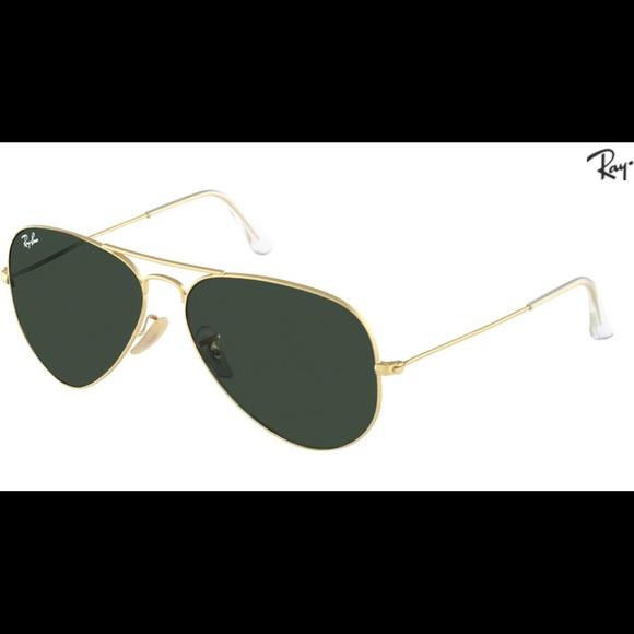 e38b5a56eb2 Ray Ban aviator classic - gold frame   green lens.  M 5a9761b43a112e7114b81c26